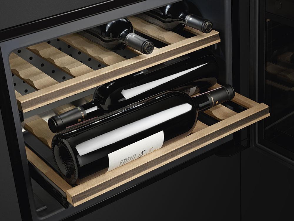 cave vin smeg cvi318x pas cher. Black Bedroom Furniture Sets. Home Design Ideas